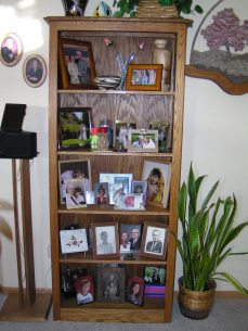 Oak Shelf Unit, can be built to custom dimensions to hold pictures, knickknacks, or books